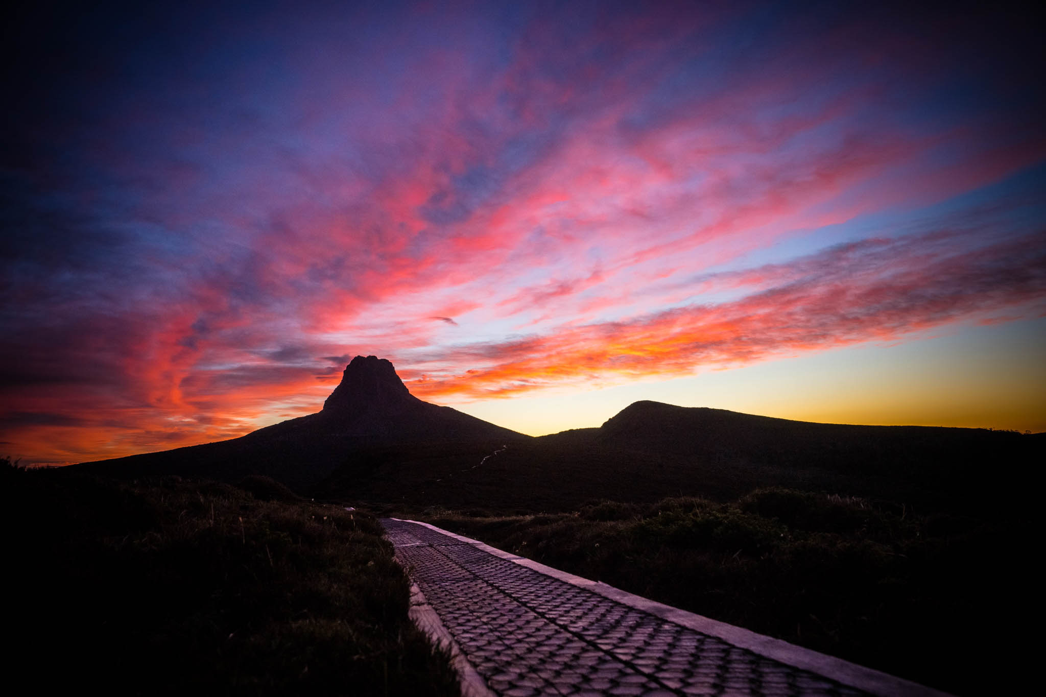 Sunset-Cradle-Mountain-Lake-Saint-Clair-National-Park